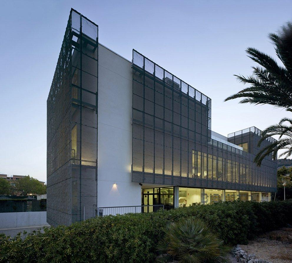 Biblioteca Pública y Centro Socio-cultural: Imagen 8 de 29