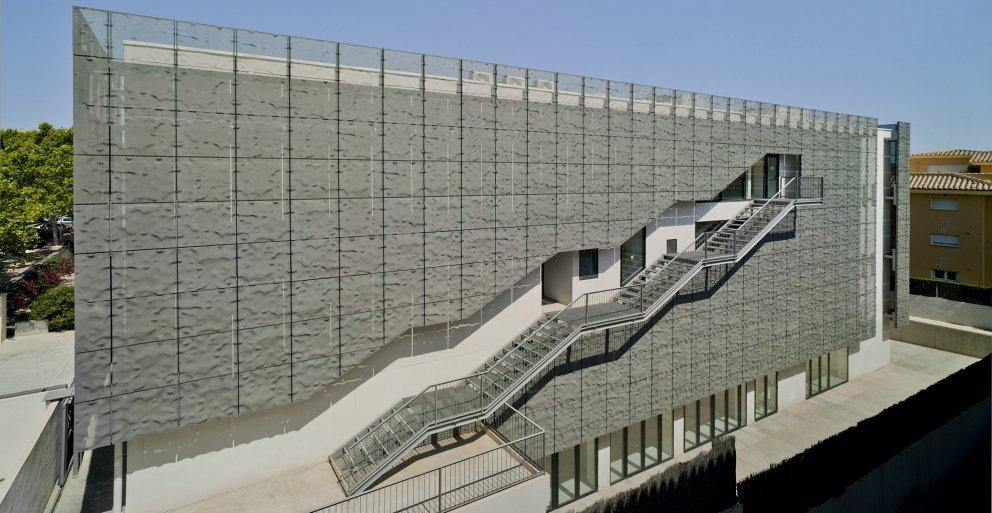 Biblioteca Pública y Centro Socio-cultural: Imagen 13 de 29