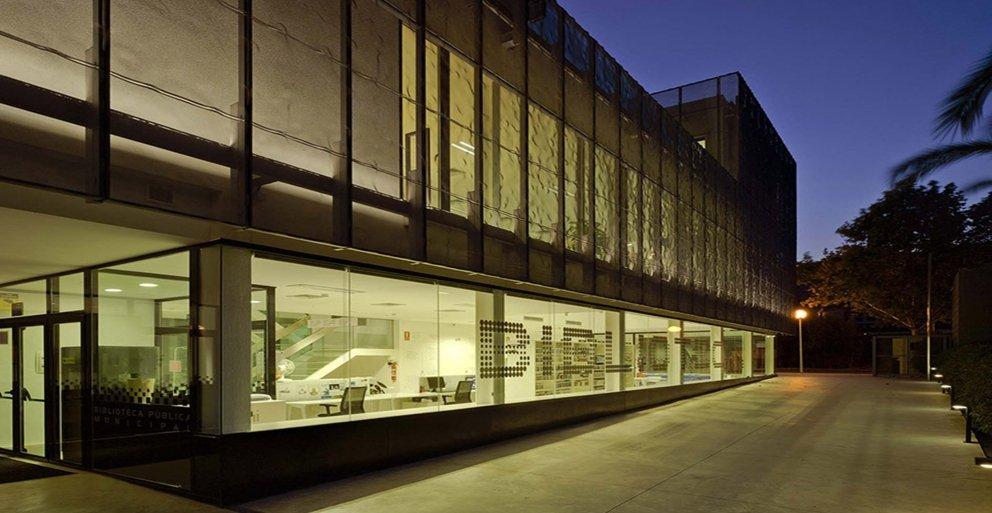 Biblioteca Pública y Centro Socio-cultural: Imagen 5 de 29