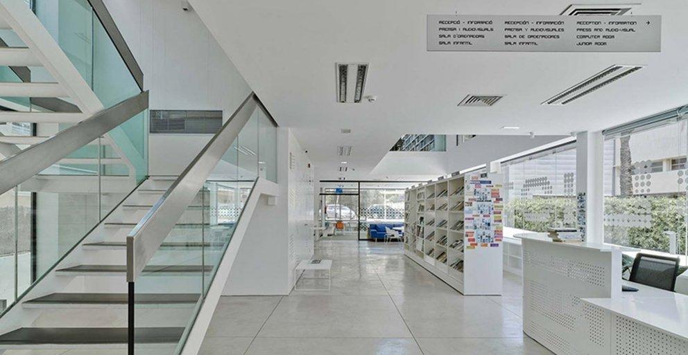 Biblioteca Pública y Centro Socio-cultural: Imagen 20 de 29