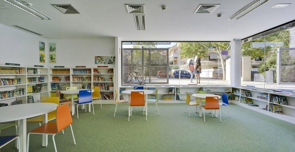 Biblioteca Pública y Centro Socio-cultural: Imagen 25 de 29