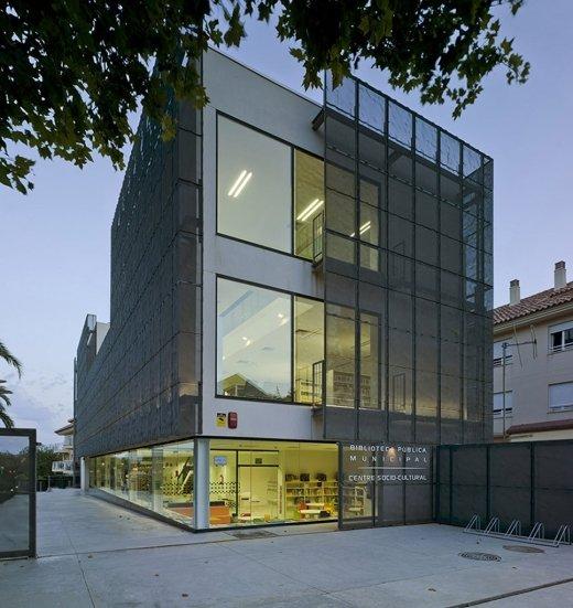 Biblioteca Pública y Centro Socio-cultural: Imagen 10 de 29
