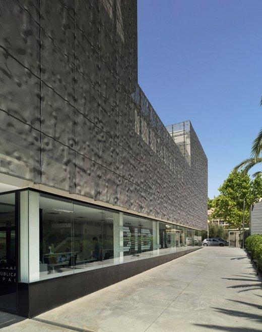 Biblioteca Pública y Centro Socio-cultural: Imagen 11 de 29