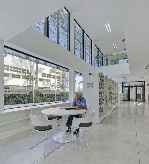 Biblioteca Pública y Centro Socio-cultural: Imagen 23 de 29