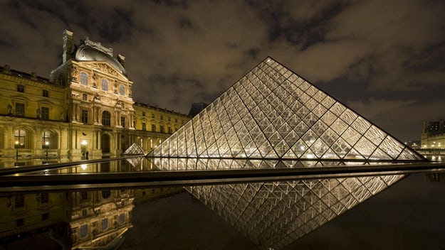 Louvre_Pyramid_at_Night_Paris_France